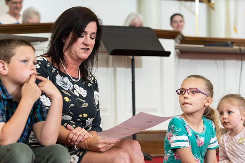 Children Worship Moment